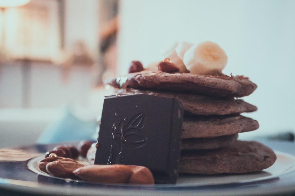 Pancakes vegan à la banane pour un petit-déj healthy ! - Margaux Lifestyle